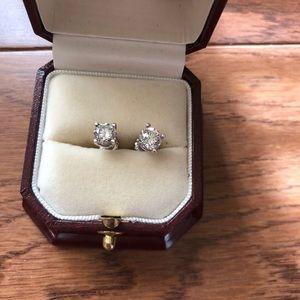 Jewelry - Diamond earrings